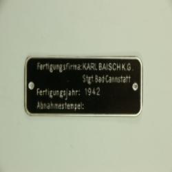 Typenschild Karl Baisch 1942 für Packtasche / Munitionskiste